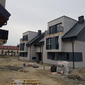 nowe domy mieszkaniowe
