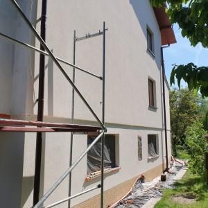 remont ściany domu